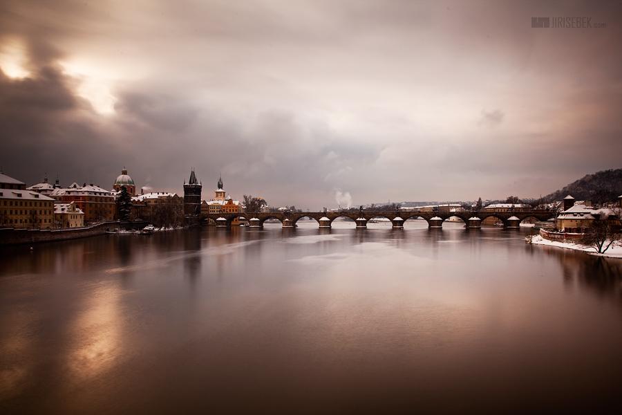fotografie Mraky nad Prahou