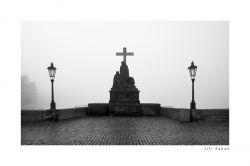 fotografie Statue of piety, Charles Bridge
