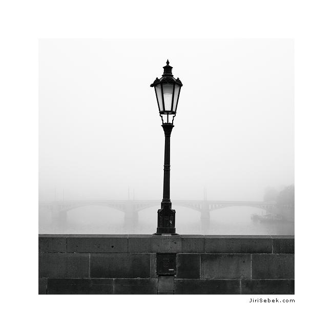 fotografie Lamp on Moldau