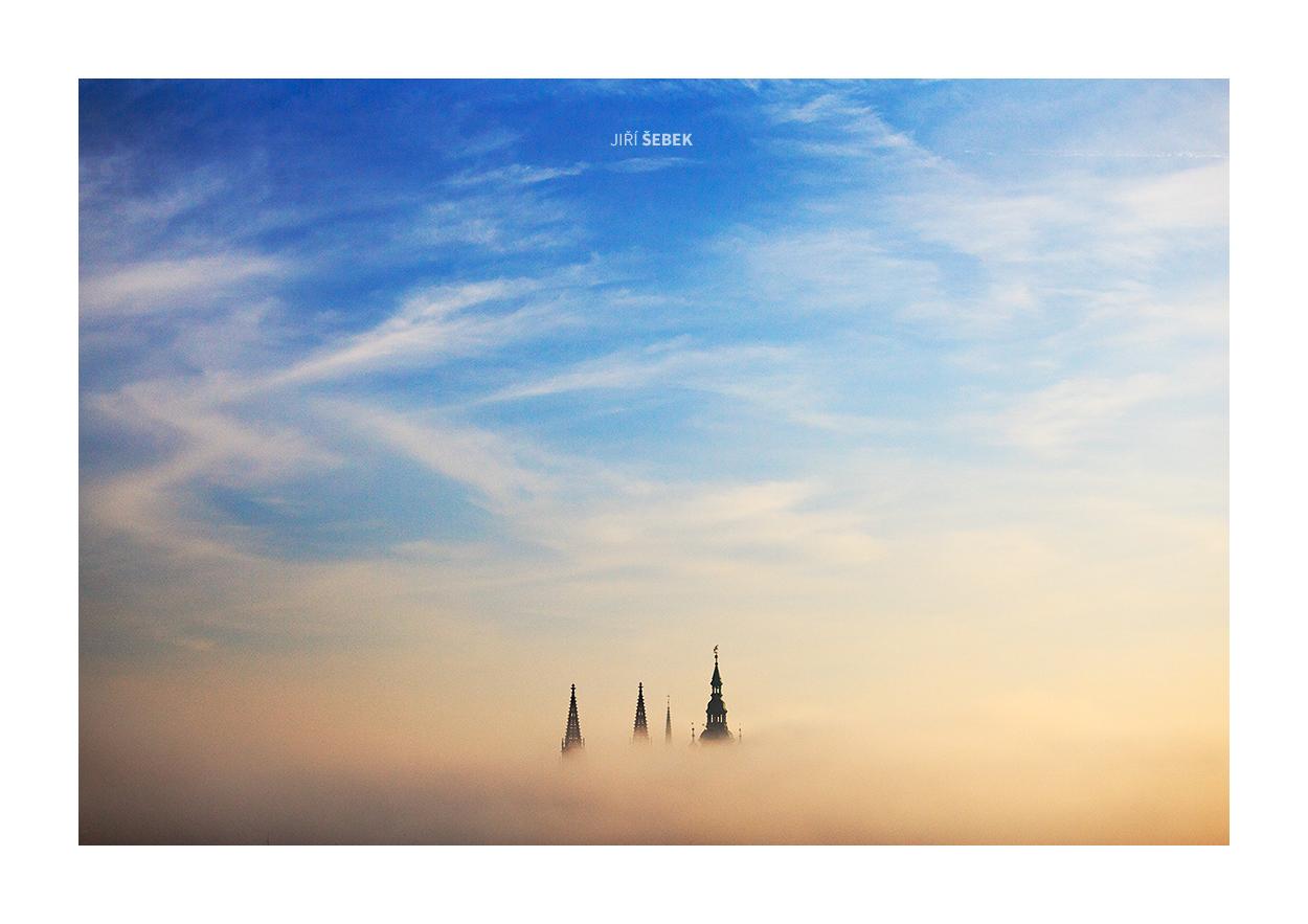 fotografie Saint Vitus in fog